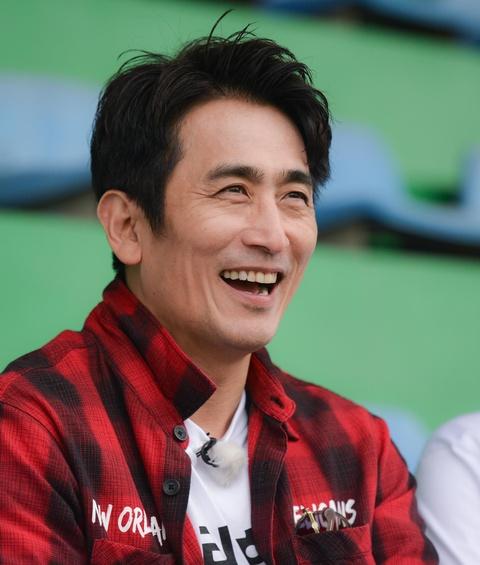 Nguoi hung World Cup 2002 gap lai HLV Park Hang-seo tai Ha Noi hinh anh 5