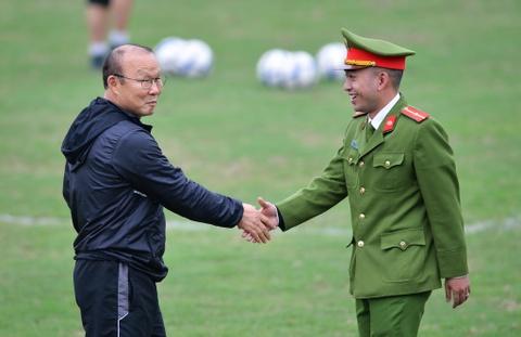 Nguoi hung World Cup 2002 gap lai HLV Park Hang-seo tai Ha Noi hinh anh 8