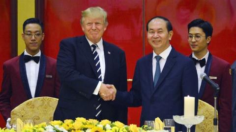 Chu tich nuoc chieu dai Tong thong Trump hinh anh
