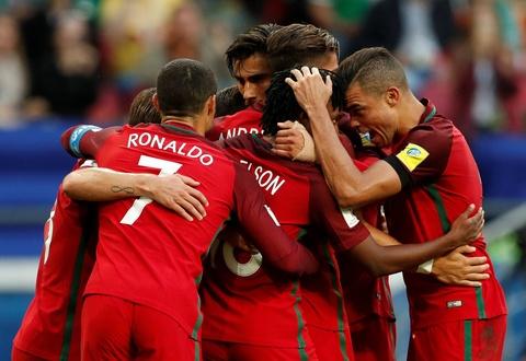 Ronaldo van toa sang bat chap scandal tron thue hinh anh 6