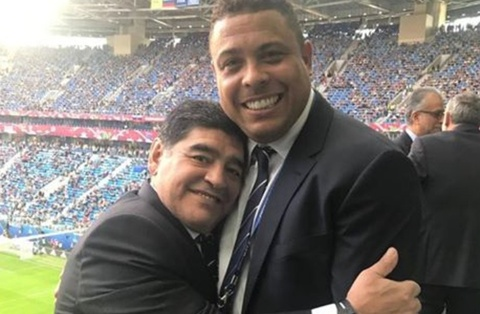 Ro beo om chat Maradona o le be mac Confeds Cup hinh anh