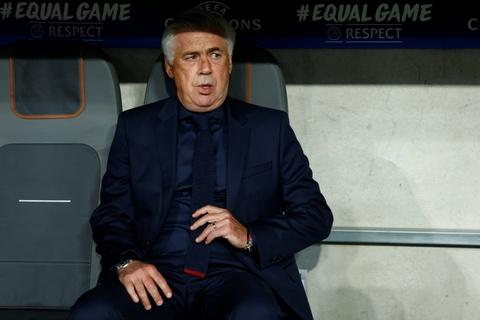 Lewandowski ghi ban, Bayern thang de Anderlecht tren san nha hinh anh 2