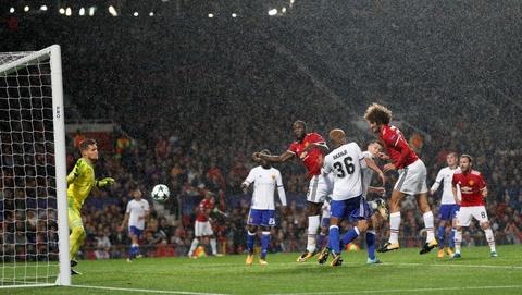 Lukaku toa sang, MU dai thang ngay tro lai Champions League hinh anh 5