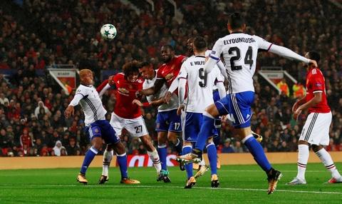 Lukaku toa sang, MU dai thang ngay tro lai Champions League hinh anh 7