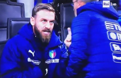 De Rossi cong khai bat HLV trong tran hoa Thuy Dien hinh anh