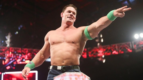WWE RAW: Huyen thoai Cena tro lai trung tri ke dang ghet hinh anh
