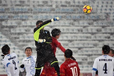 Tran 'dai chien tren tuyet' giua U23 Viet Nam va U23 Uzbekistan hinh anh 7