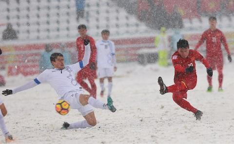Tran 'dai chien tren tuyet' giua U23 Viet Nam va U23 Uzbekistan hinh anh 11