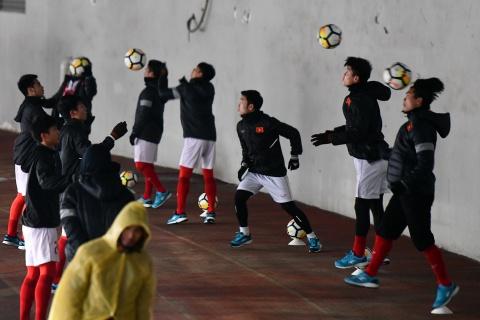 Tran 'dai chien tren tuyet' giua U23 Viet Nam va U23 Uzbekistan hinh anh 2