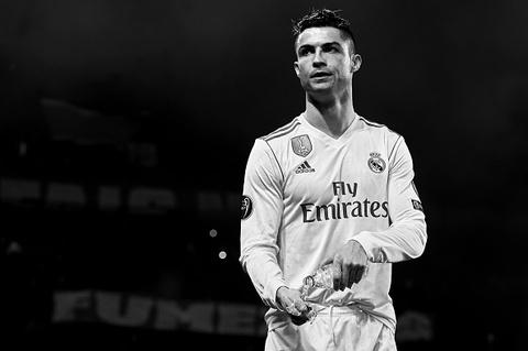 Ronaldo di vao lich su sau khi ghi ban nhan chim PSG hinh anh