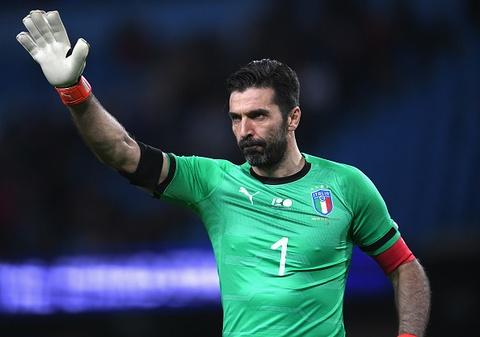 Vang Messi, Argentina van de dang ha guc Italy 2-0 hinh anh