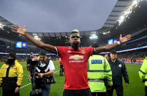 Dan sao MU tra dua Man City sau vu au da o derby luot di hinh anh