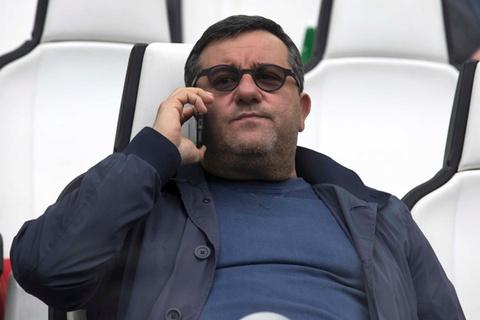 Ran nut quan he, Raiola sap dua Pogba roi Man Utd? hinh anh