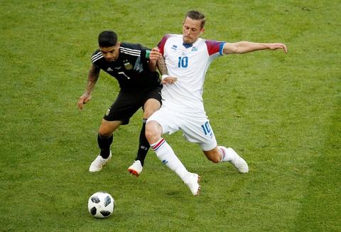 Ronaldo noi bat o doi hinh hay nhat luot 1 vong bang World Cup 2018 hinh anh 6
