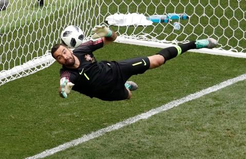 Nga dep, Ronaldo doi trong tai su dung VAR hinh anh 7