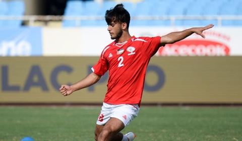 U23 Oman 1-1 U23 Palestine: Tien ve nhan the do ngay sau khi ghi ban hinh anh