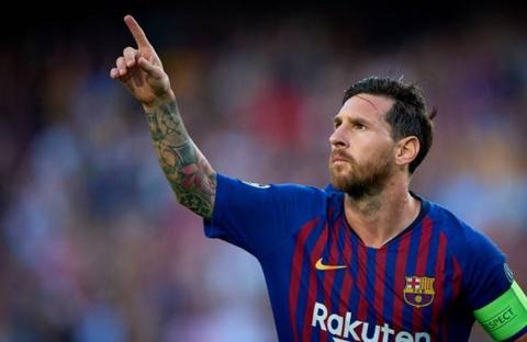 Cu sut phat dang cap cua Messi nhin tu khan dai hinh anh