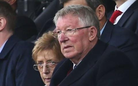 Sir Alex bat luc nhin MU chia diem voi tan binh tai Old Trafford hinh anh