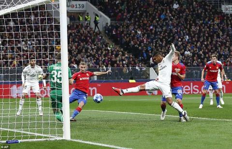 Tru cot mac sai lam, Real Madrid thua CLB Nga hinh anh 6