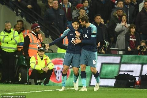 Son Heung-min lap cu dup, Tottenham hen Arsenal o tu ket Carabao Cup hinh anh 2