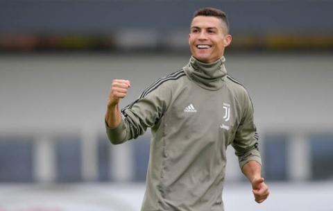 Dong doi bat ngo voi su ben bi cua Ronaldo o tuoi 33 hinh anh
