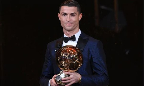 Rivaldo: 'Ronaldo moi xung gianh bong vang' hinh anh