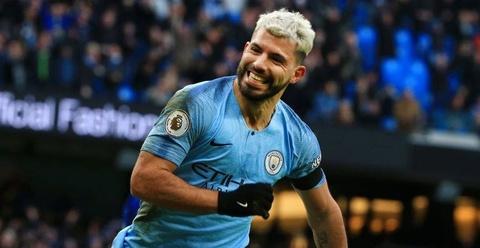 De bep Chelsea 6-0, Man City tro lai ngoi dau Premier League hinh anh