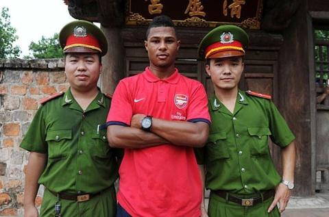 Gnabry va dan sao Arsenal den Viet Nam nam 2013 hinh anh