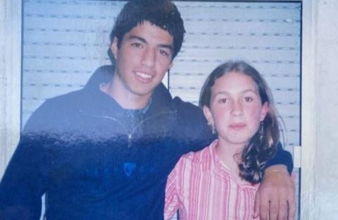 Luis Suarez va chuyen tinh 18 nam voi nang tieu thu hinh anh