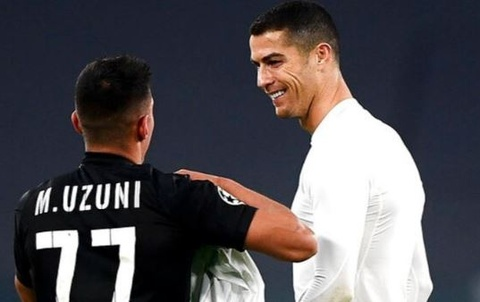 Ronaldo than thien khi doi thu xin ao dau hinh anh