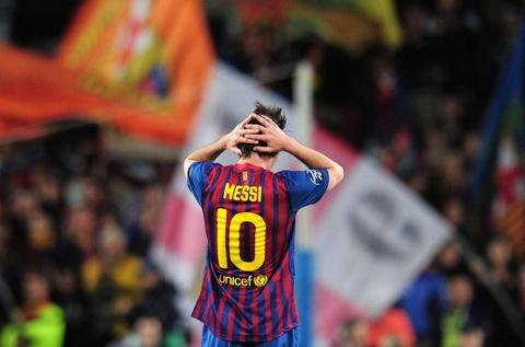 Vi sao Barcelona khong the lap day san Camp Nou? hinh anh
