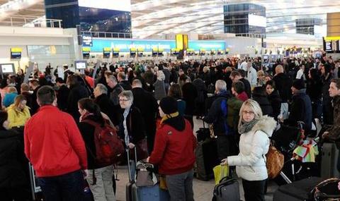 400.000 hanh khach cua Ryanair bi huy chuyen bay hinh anh