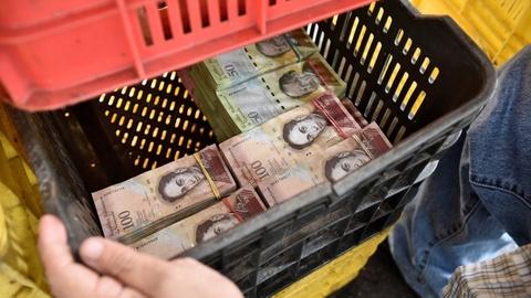 Lam phat o Venezuela: Dung bao tai thay cho vi, can tien thay vi dem hinh anh 8
