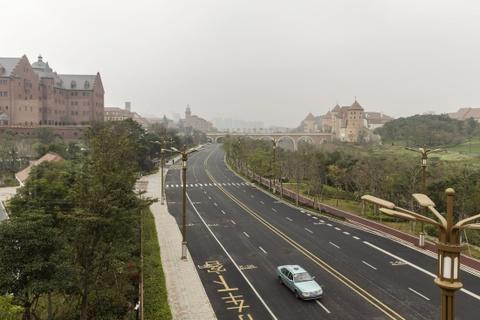 Bên trong tổ hợp văn phòng 'sao chép' kiến trúc châu Âu của Huawei