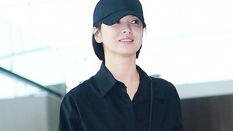 Song Hye Kyo dien trang phuc gian di van noi bat tai san bay hinh anh