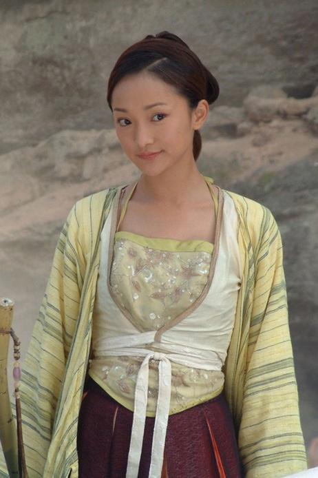 Chau Tan - tu tuoi tho co cuc den dai hoa dan lang le, co don hinh anh 2