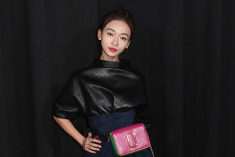 Ngo Can Ngon thieu khi chat tren tham do New York Fashion Week hinh anh