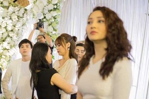 Ly do Bao Anh va Ho Quang Hieu di chung toi le cuoi Truong Giang hinh anh