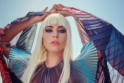 'Me quy' Lady Gaga lot xac, ban nude trong bo anh moi hinh anh