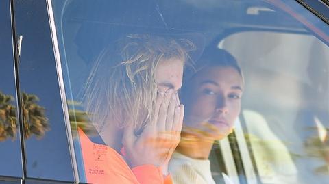 Justin Bieber bat khoc ben vo, buon ba vi Selena phai dieu tri tam ly hinh anh
