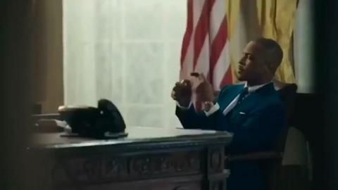Hinh anh ba Trump trong video quang ba album cua rapper T.I. hinh anh