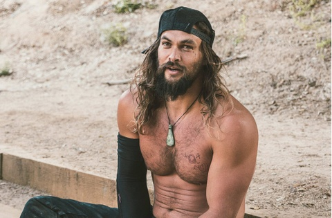 'Aquaman' Jason Momoa dung dau danh sach 100 nguoi dan ong dep nhat hinh anh
