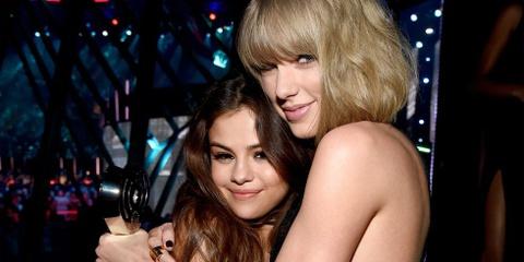 Selena Gomez vui ve tu tap voi Taylor Swift va hoi ban than hinh anh