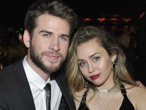 Miley Cyrus lan dau xuat hien cung chong sau le cuoi bi mat hinh anh