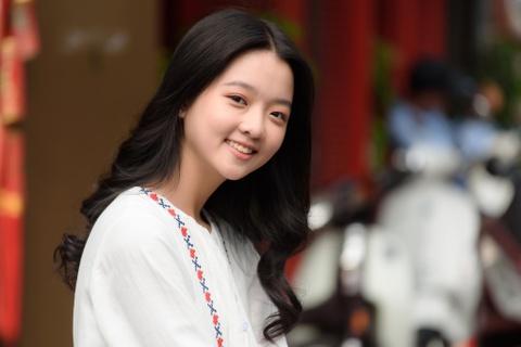 Lam Thanh My: 'Di hoc it khi cuoi nen bi ban be noi chanh' hinh anh