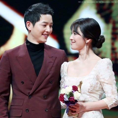 Nhung khoanh khac dep den tan chay cua Song Joong Ki - Song Hye Kyo hinh anh 5