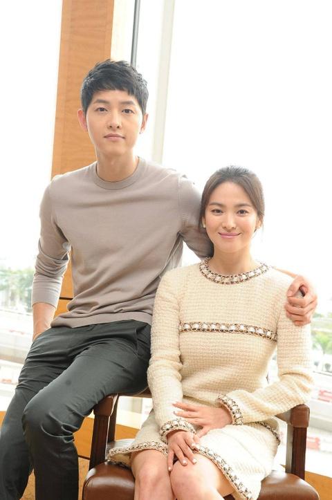 Nhung khoanh khac dep den tan chay cua Song Joong Ki - Song Hye Kyo hinh anh 9