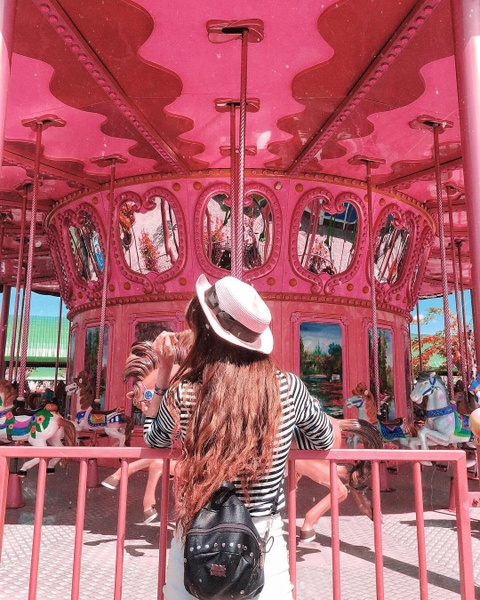 Truong dai hoc o mien Tay hoa Disneyland thu hut gioi tre check-in hinh anh 9