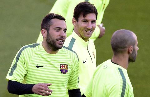 Jordi Alba: Khong can so sanh boi Messi hay hon Ronaldo hinh anh