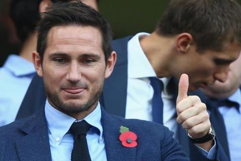 Lampard lap lung du dinh tro lai khoac ao Chelsea hinh anh